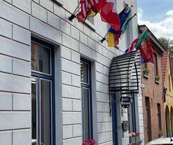 Hotel Montovani flags.
